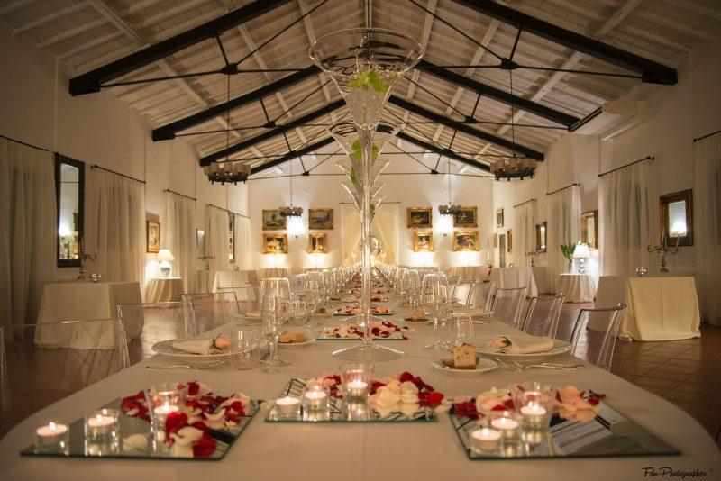 Matrimonio con tavolo imperiale alle Scuderie San Carlo